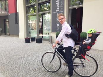 fahrrad 0 - Das Fahrrad als Sinnbild für nicht lösbare Konflikte zwischen Mama und Papa -