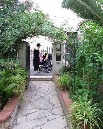laufen 346x435 - Wie weit geht eine Mama so jeden Tag für Ihre Kinder? -