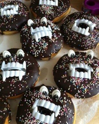 donuts1 346x435 - Monster-Donuts! Einfache und witzige Geburtstags-Ideen -