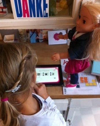 """cayla 346x435 - """"Bist Du doof?"""" - Lisas Tochter durfte die Puppe Cayla testen. -"""