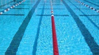 265954310-chlor-schwimmen-schwimmbad-schwimmsport-haut-1ef
