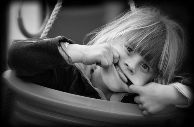 grimasse 665x435 - Gastbeitrag: Wer sind diese Kinder und warum sagen sie Mama zu mir? -