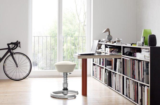swopper im home office 665x435 - Swoppster: Rückenfreundlicher Kinderstuhl im Wert von 265,- Euro zu gewinnen! -