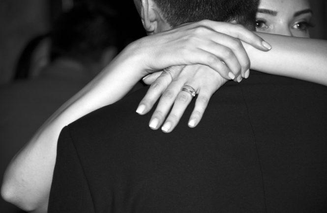 """liebespaar 665x435 - Gastbeitrag: """"Ich liebe einen Mann der fast 30 Jahre älter ist als ich"""" -"""