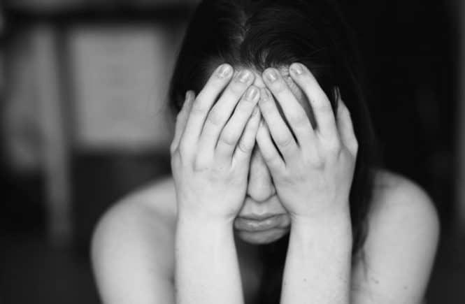 erschoepft 665x435 - Über die Sorge um mein Frühchen und warum mein schlechtes Gewissen mich auffrisst -