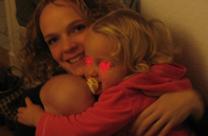 family 0 665x435 - Ein Kind und dann Zwillinge: Wird das irgendwann besser? JA, UND OB! -