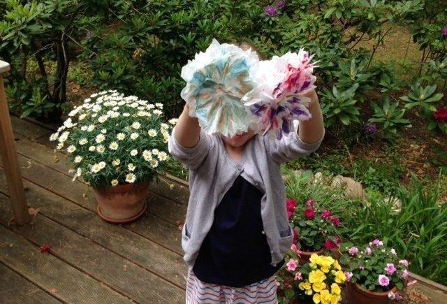 tempoaufmacher 640x435 - Kooperation mit Tempo: Wie man aus Taschentüchern Frühlingsblumen bastelt -