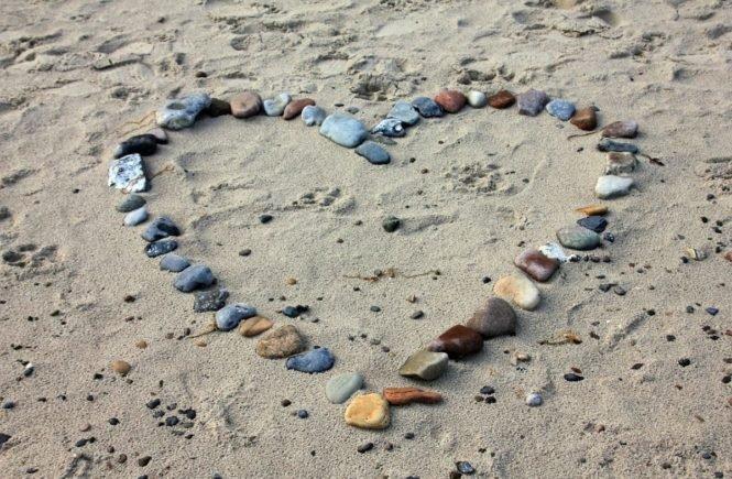 sandkastenliebe 665x435 - Sandkastenliebe: Hier erzählen drei Leserinnen ihre Liebesgeschichte, die sooo früh begann -