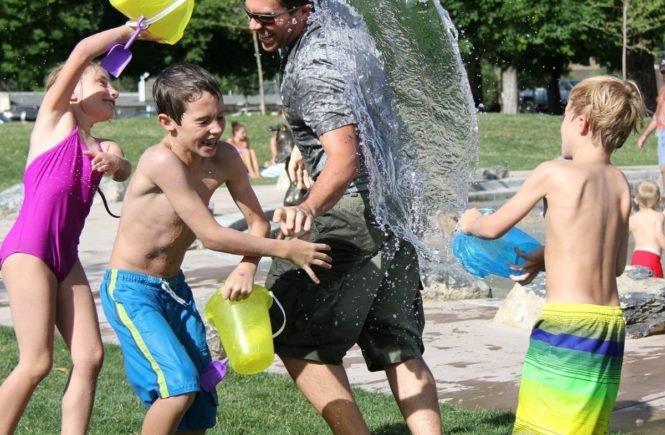 water fight 442257 1280 665x435 - Warum wir der festen Übezeugung sind, dass unsere Kinder toll sind - so wie sie sind -