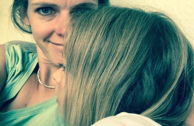 """muttertochter 665x435 - """"Mehr Mut zum Ich"""": Starke Mütter, starke Töchter – wie wir die Pubertät angehen. #wirgewinnt -"""