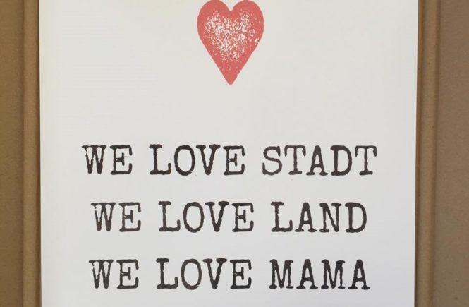 we love stadt land mama 665x435 - Wer ahnt es schon? Hier kommt die schönste Nachricht des Jahres! -
