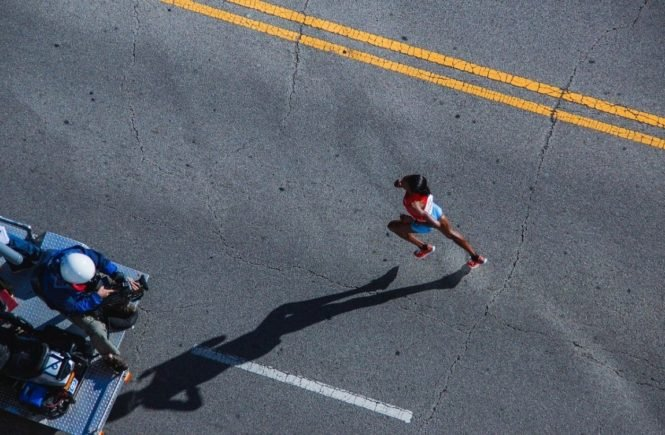 marathonlauf 665x435 - Die Mid-Parenthood-Crise: Elterschaft ist wie ein Marathonlauf -