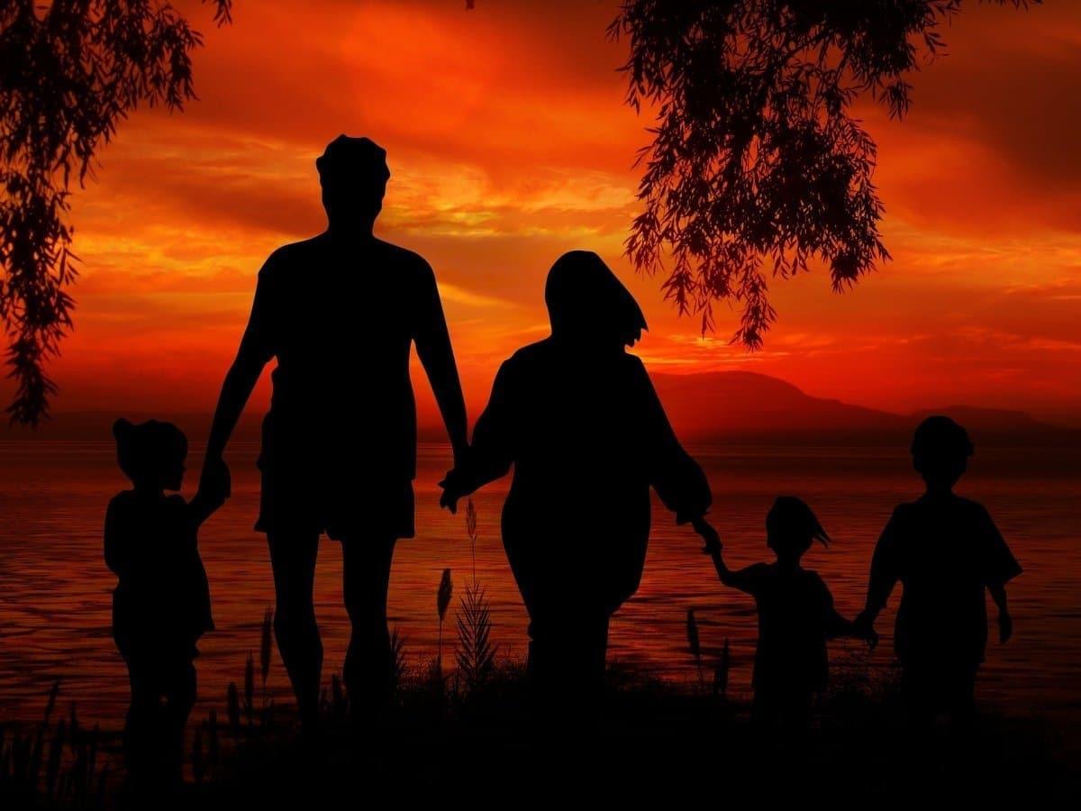 Patchwork-Familie: Stiefmutter und Mutter von Stiefkindern