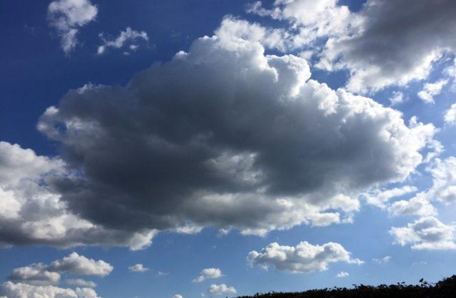 kinderwunsch wolken 665x435 - Warum wir als Kinderlose auch nicht jede Sonntag Langeweile haben - Gastbeitrag von Charlotte -