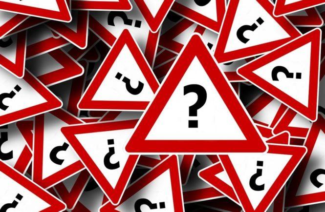 road sign 63983 1280 665x435 - Leserfrage: Wo sind Eure Kinder, wenn in der Kita/Schule Elternabend ist? -