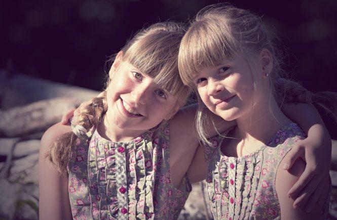 children 1545118 1280 665x435 - Elternfrage: Wie tröste ich mein Kind, wenn es ausgeschlossen wird? -