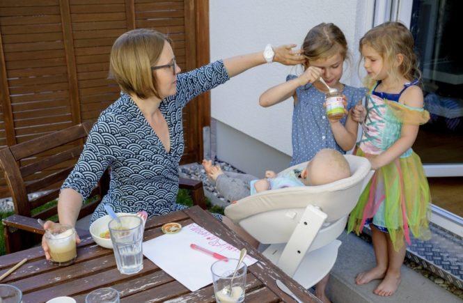 """044 665x435 - """"Alles wie immer, nichts wie sonst"""": Wie Julia ihr Leben mit drei Kindern und multipler Sklerose bewältigt -"""