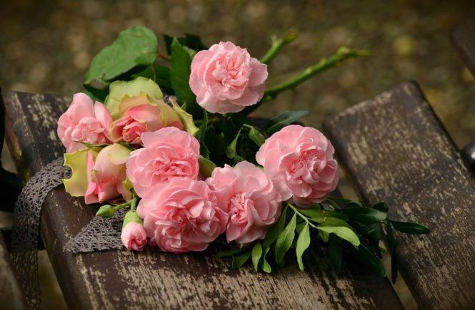 bouquet 1463562 1280 665x435 - Zum Roses Revolution Day: Neles dramatischen Erfahrungen in einer Geburtsklinik -