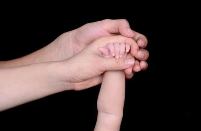 dad 1716160 1280 665x435 - Leserfrage von Hannah: Wie klappt das Stillen als berufstätige Mutter -