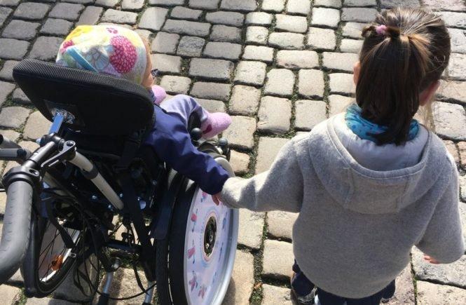 """finja 665x435 - """"Ich vergleiche Finja nicht mehr - seitdem ist eine riesen Last abgefallen"""". Über das Leben mit einem schwer behinderten Kind -"""