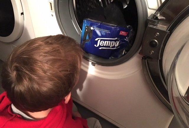 tempo heller1 640x435 - Wasch-Wunder: Wie sich Tempo mit diesem Produkt in die Herzen getresster Eltern katapultiert -