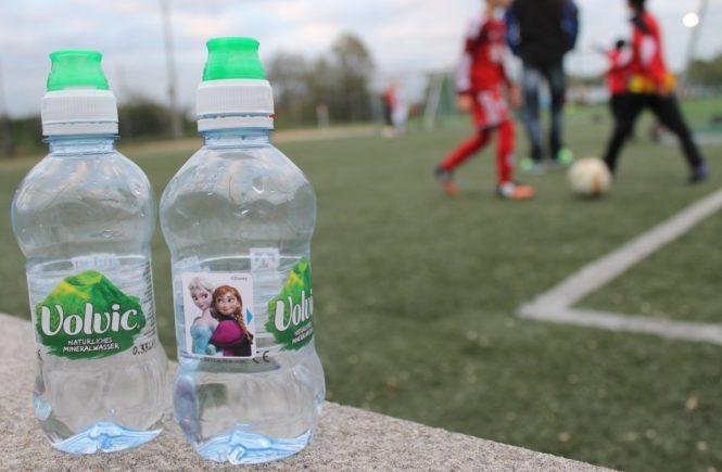 volvic stadtlandmama 665x435 - Bekennende Fußballmutti: Wie wichtig mir Sport für die Kinder ist – in Kooperation mit Volvic -