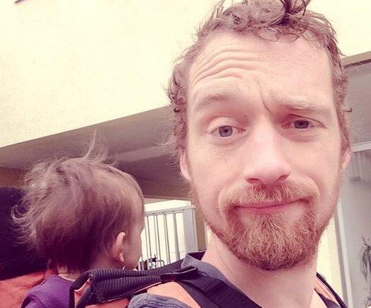 johnny 524x435 - Alleinerziehender Papa: Johnny über sein Leben allein mit seiner Tochter -