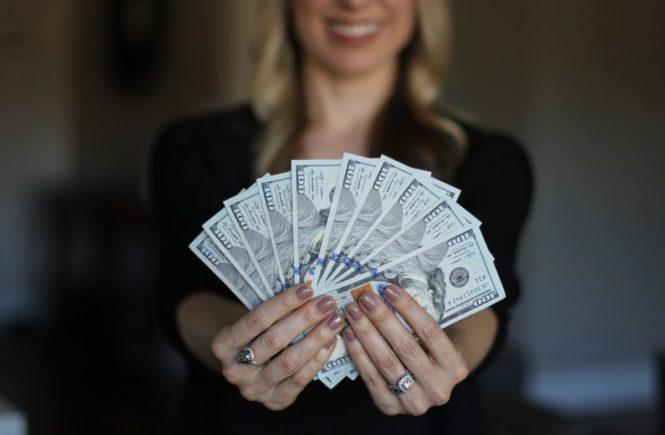 knete 665x435 - Unbezahlbar wertvoll: Wenn wir für unseren Mutter-Job bezahlt würden -