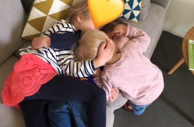 3 4 665x435 - Wenn Babys Haut ganz besonders viel Liebe und Pflege braucht... PLUS: Gewinnt tolle Produkt-Pakete von Pampers -