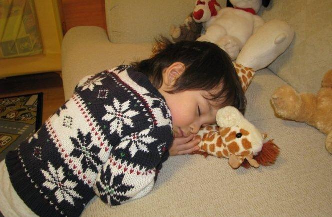 sleeping 824601 1280 665x435 - Leserfrage: Wieso ist bei uns das Einschlafen immer so ein Kampf? -