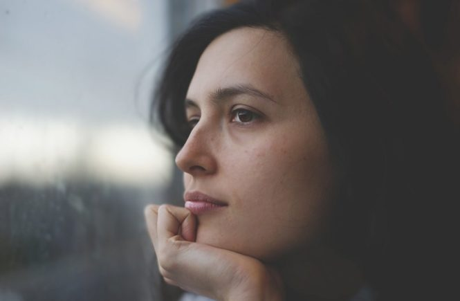 woman 1148923 1280 665x435 - Interview mit Beate: Würde ich meinen Job kündigen, würde alles zusammen brechen -