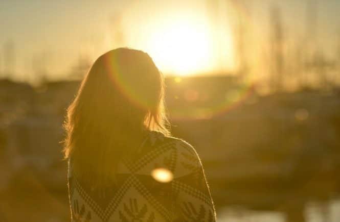 young woman 1192018 1280 665x435 - Interview mit Steffi: Wie ich durch Pflegekinder doch noch Mutter wurde -