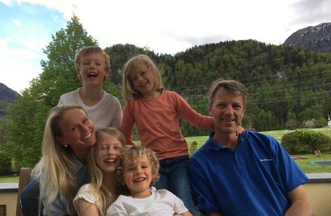 familie matthaei 3 665x435 - Gutes tun, kann so gut tun: Vierfachmutter Kerstin Matthaei über ihr Engagement für die SOS-Kinderdorf-Stiftung -