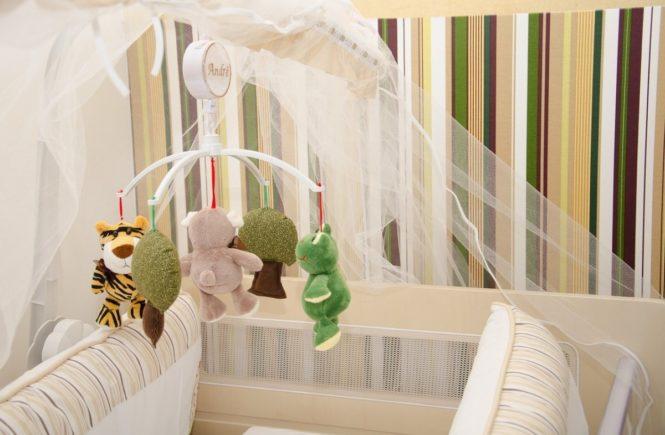 mobile forest 2448103 1280 665x435 - Gastbeitrag: Wie wir unseren Sohn knapp vor dem Plötzlichen Kindstod bewahrten -