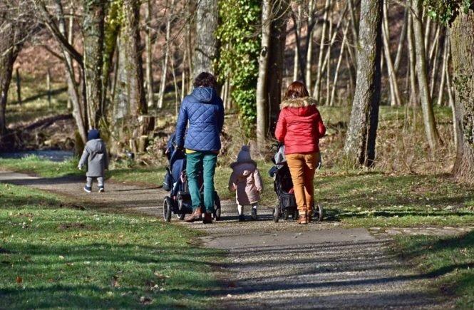 mutti 665x435 - Leserfrage von Maria: Warum sind so viele Mütter so schrecklich unspontan? -