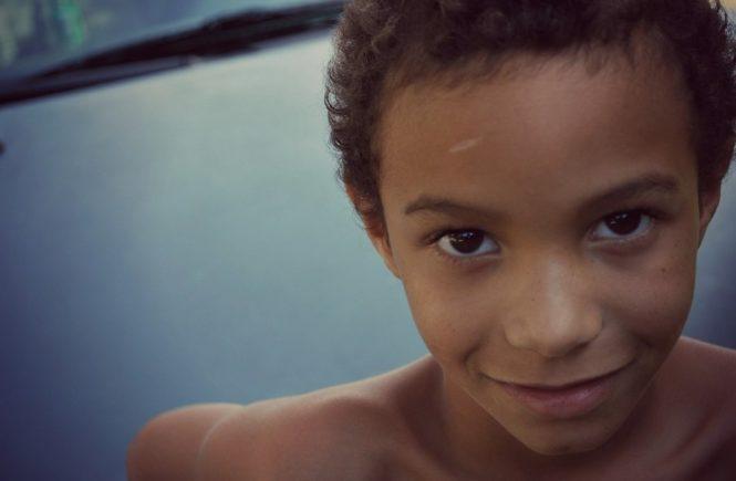 ras 665x435 - Gastbeitrag von Elsa: Mein Sohn wurde wegen seiner dunklen Haut gemobbt -