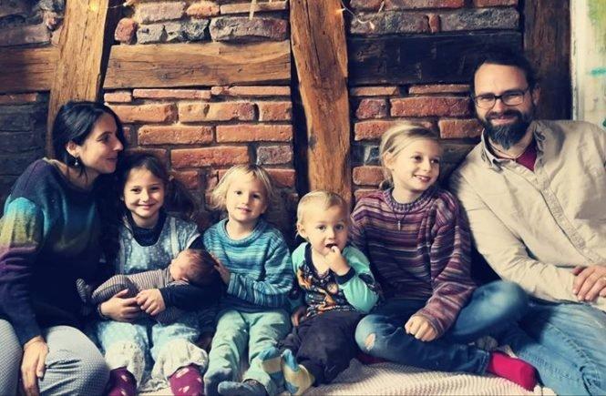 dini 665x435 - Interview mit Dini: Über die schönsten und stressigsten Momente mit einer Großfamilie -