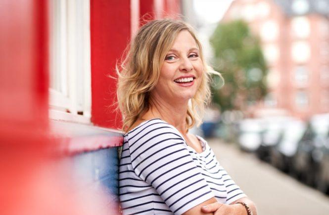 hagedorn ein hauch von patina quer portrait lachendcsebastian knoth 665x435 - Gastbeitrag von Janna Hagedorn: Geht die Party mit 40 erst richtig los? -