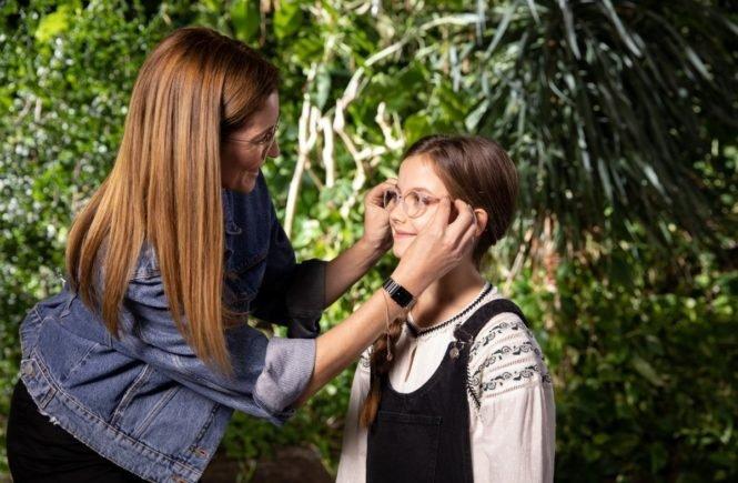 zeissbild2 665x435 - UV-Schutz in Brillengläsern: Wie wir die Augen unserer Kinder schützen - ganz ohne Sonnenbrille -