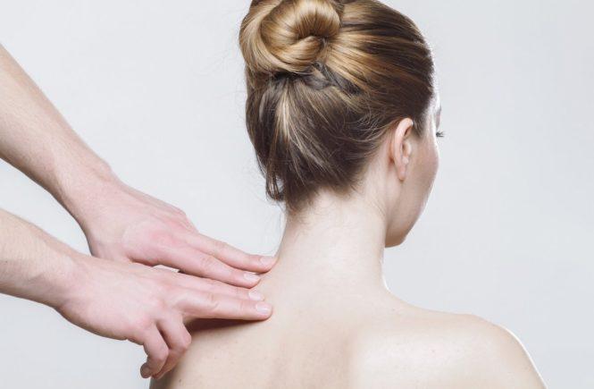 """massage 2722936 1280 665x435 - """"Meine Kinder kennen mich nur mit Rückenschmerzen"""" - Interview zum Thema Bandscheibenvorfall -"""