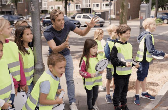 artikelbild 665x435 - Schulweg allein meistern? So könnt ihr eure Kinder (und euch) vorbereiten -