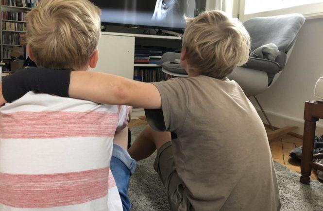youtube teenies 665x435 - Slow Down Mama: Ein gammeliger Zwischenruf aus den Sommerferien mit Teenies -