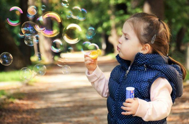 stottern 665x435 - Leserfrage: Ab wann muss man mit einem stotternden Kind zum Arzt? -