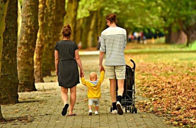 woman 3602245 1280 665x435 - Tabuthema Armut: So leben wir als Familie mit Hartz 4 -