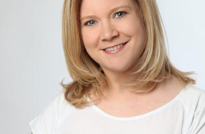 claudia purzer waterwipes kompre fotor 665x435 - Für frisch gebackene Mamas: Ein Rundum-Wohlfühl-Interview mit Hebamme Claudia -