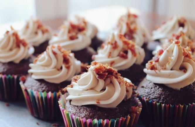 cupcakes 690040 1280 665x435 - Wie feiert man, wenn zwei Kinder am selben Tag Geburtstag haben? -