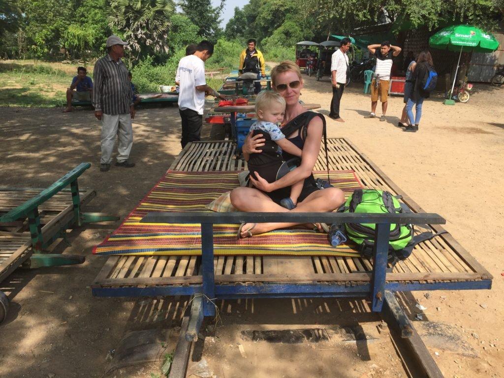 Kambodscha 1024x768 - In die weite Welt träumen: Gabriela und ihr Sohn waren schon in 35 Ländern und zeigen uns die schönsten - Gabriela Urban und ihr fünf Jahre alter Sohn sind ein super Team, wenn es um Reisen um die Welt geht. Sie haben uns viele Tipps mitgebracht.