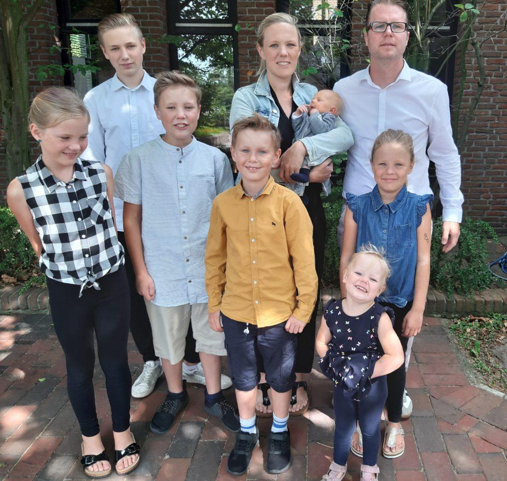 KehmeierFamily 1024x973 - Familie Kehmeier: Mit sieben Kindern durch die Quarantäne-Zeit – wie klappt das? - Ausnahmezustand durch die Corona-Krise. Wie schaftt das eigentlich eine Familie mit sieben Kindern? Wir haben Sven Kehmeier dazu interviewt.