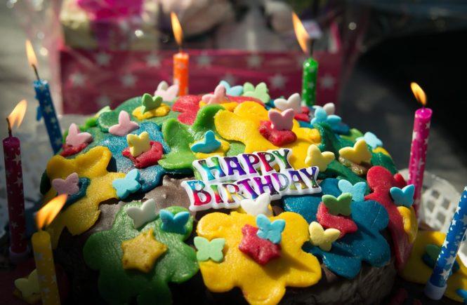 birthday 874783 1280 665x435 - Kindergeburtstag in Corona-Zeiten: Wie schaffen wir eine schöne Feier? - Lenas Tochter hat bald Geburtstag. Sie braucht Eure Hilfe