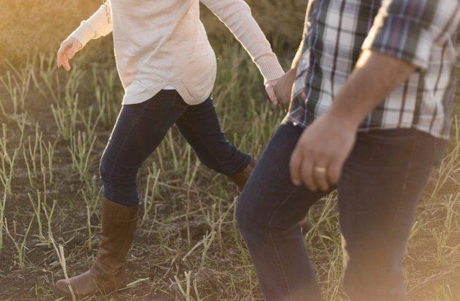 adult 1867702 1280 665x435 - Jetzt mal ehrlich: Was macht diese Krise mit Eurer Beziehung - Nathalie fragt sich: Zoffen sich andere Paare gerade auch so viel?